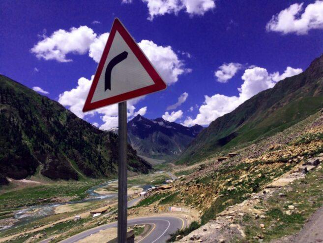 road-signs-road-trip-1418080-1024×768-1